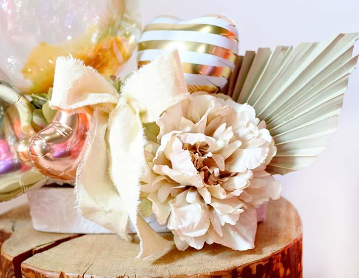 【結婚、誕生日、開店・周年祝い】スモーキーパステルアレンジ(卓上タイプ)【送料込み】